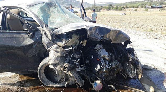 Burdur'da trafik kazası: 1 ölü, 2 yaralı