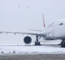 Adnan Menderes Havalimanı hava ulaşımına açıldı