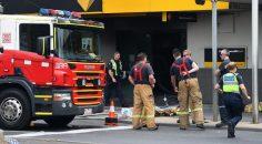 Avustralya'da bankada bir kişi kendini ateşe verdi